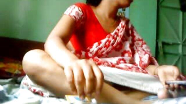 Chica caliente con consolador hace placer en la webcam redtube sub español