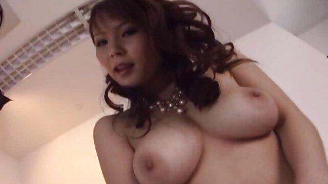 Hottie mujer follando sub español recibe anal