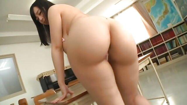 Mofos World Wide - Tight Pussy From Hungary videos hentai gratis sub español protagonizada por Denisa