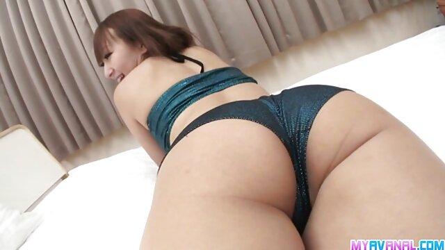 Rubia sexy hentai español subtitulado con tetas sexy lamiendo consolador en webcam.flv