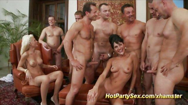 TEENGONZO La ébano de grandes tetas porno sub español Anya Ivy encuentra un nuevo compañero de sexo