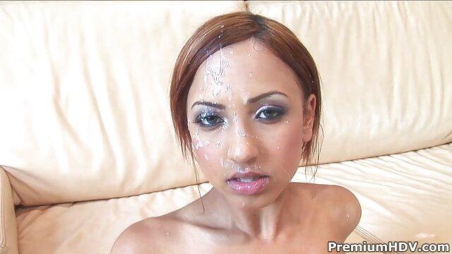 Tenn hentai porno subtitulado español juega en el baño con cepillo